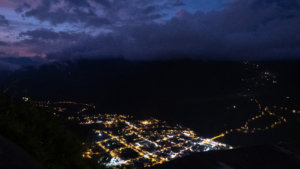 Watching Baños light up from Luna Volcán is an impressive sight!