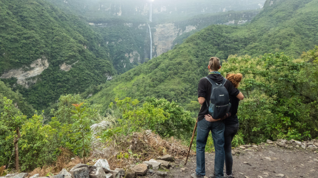 Couple overlooking Catarata de Gocta