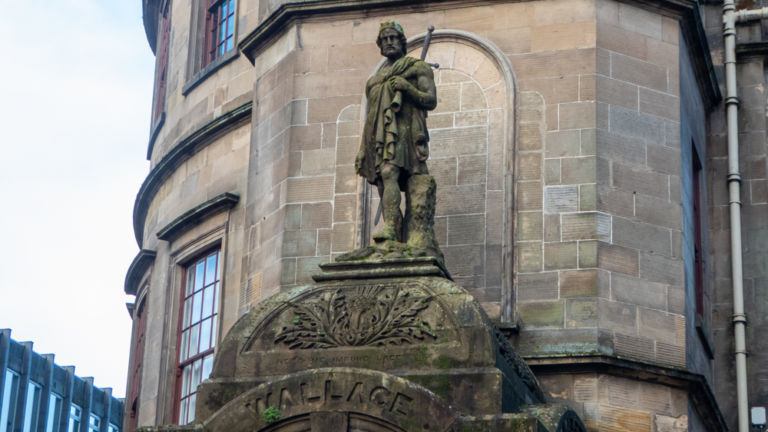 Wee Wallace statue at The Atheneum.